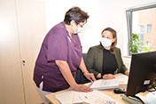 Pflege-Trainee unterstützt Führungsteam der Pflege